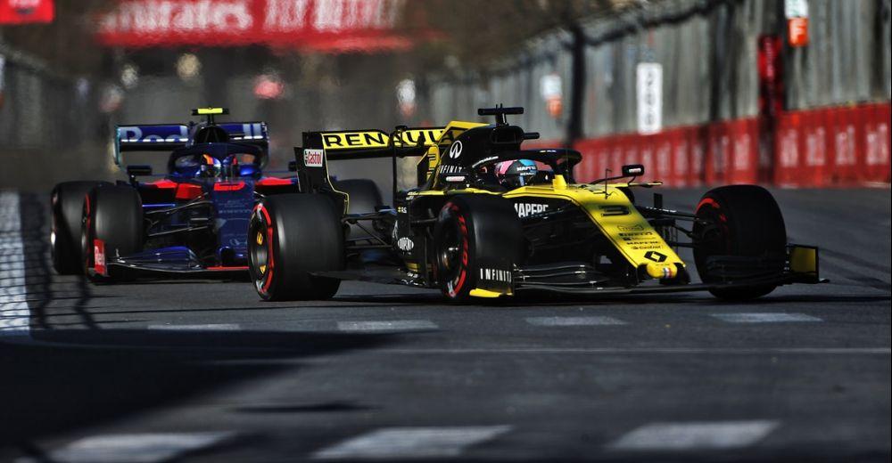 Ricciardo op de hielen gezeten door Albon