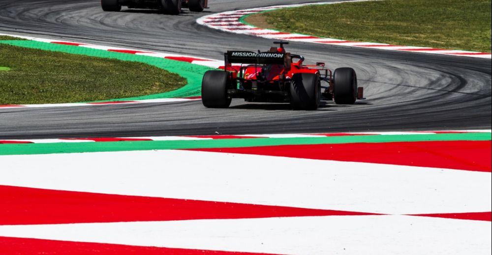 Vettel in de achtervolging bij Leclerc