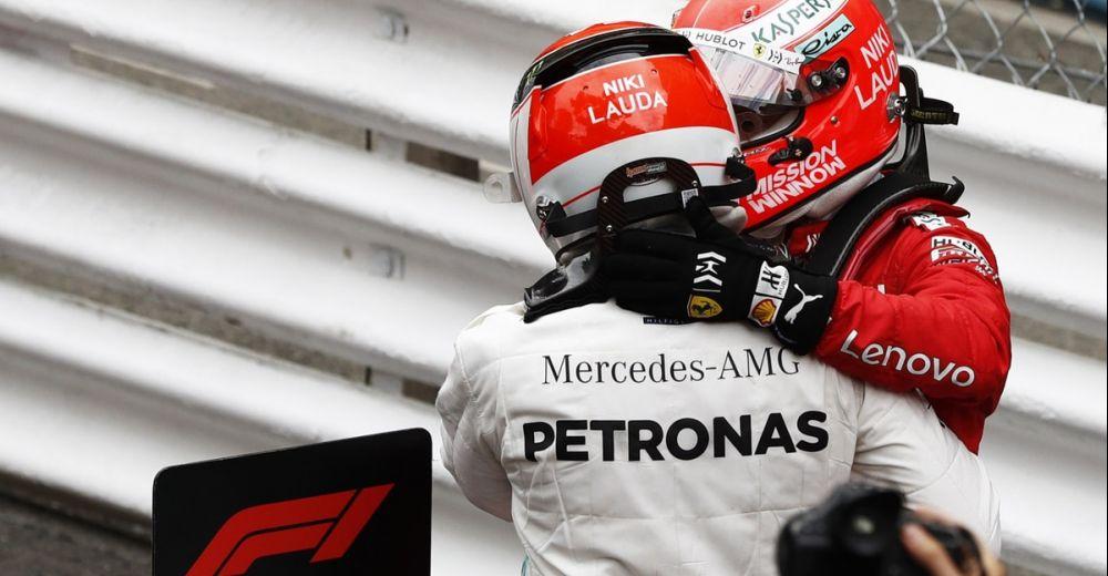 Speciale helmen voor Hamilton en Vettel
