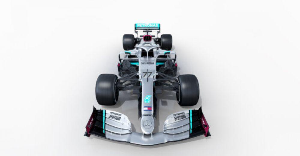 Het vooraanzicht van de nieuwste Mercedes is weer uniek