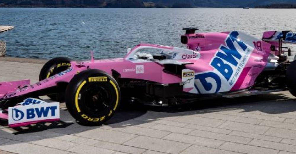 Zijaanzicht van de nieuwste wagen van Racing Point