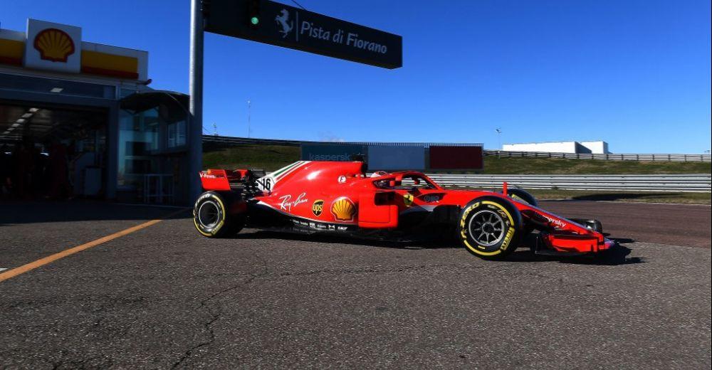 Leclerc verlaat de beroemde Shell-garage