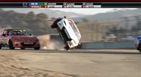 Afbeelding: Crash video: Wiel tot wiel gevecht gaat goed fout!