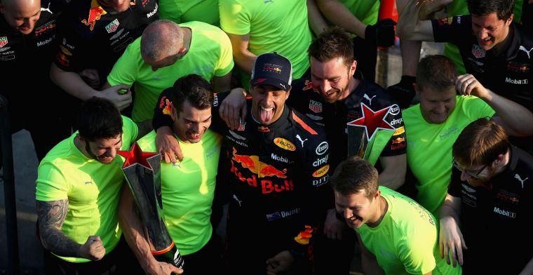 Ricciardo bedankt Mercedes voor langzamer rijden