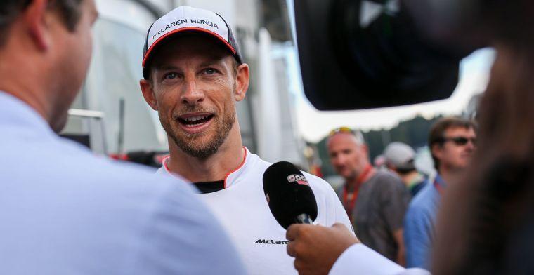 Jenson Button heeft zich verloofd met model Brittny Ward