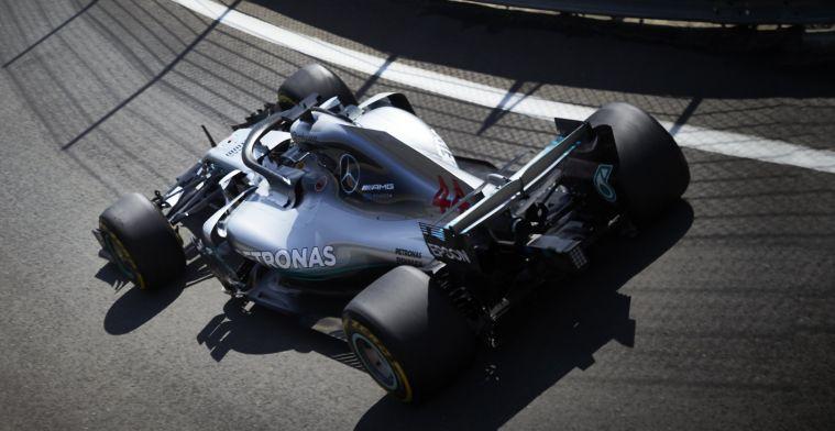 """Mercedes neemt het op voor Hamilton: """"Slechte start niet zijn schuld"""""""