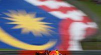 Afbeelding: Maleisië terug op de F1-kalender? 93-jarige premier test het uit in Ferrari 458!