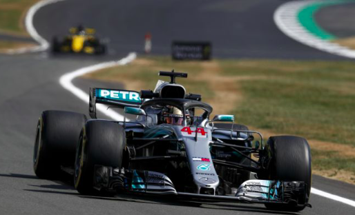 Afbeelding: Hamilton tries to escape from summer holidays!