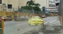 Afbeelding: Doldwaze actie bij start GT-race van Macau uit perfecte hoek gefilmd