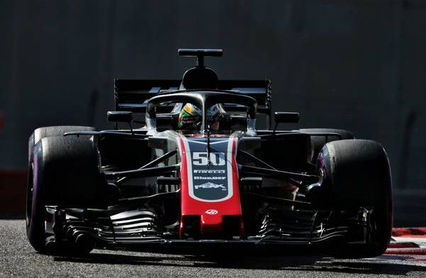Haas changes F1 auto from gray to black-and-gold for 2019