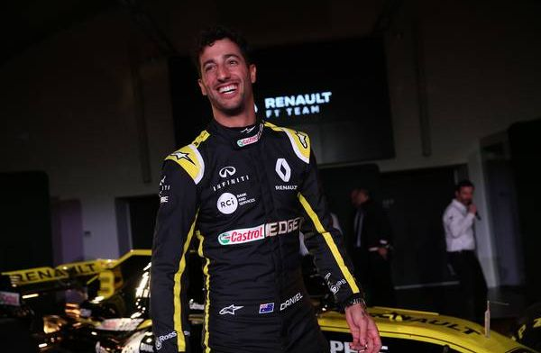 Ricciardo to wear funky and artistic helmet at Renault