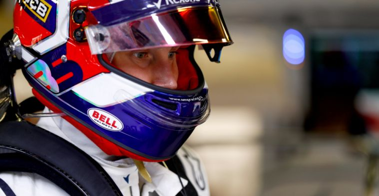 Sirotkin holds up his hand should Williams want to drop Robert Kubica