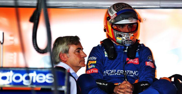 Sainz balanceert op randje gridstraf na VT1: Tweede batterij geeft de geest