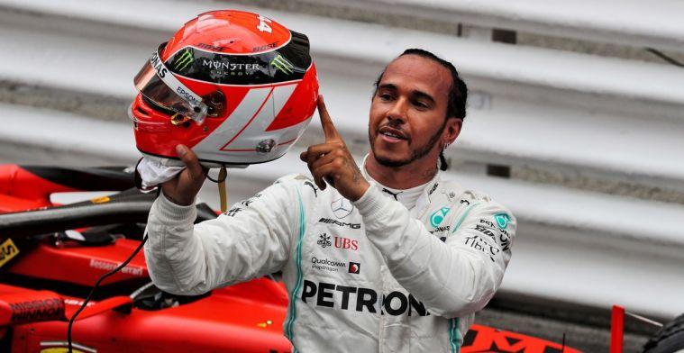 Hamilton over de tijdstraf van Verstappen: Het is een teamsport
