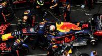 Afbeelding: ''Je kan al zo slecht inhalen, dus natuurlijk probeert Red Bull het in de pits''