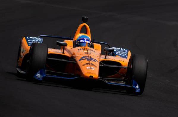 Alonso tweets to laugh at McLaren split rumours
