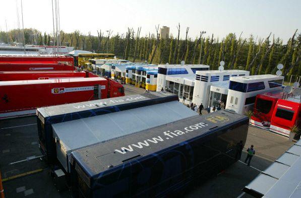 Illegalen gevonden in trailers van onderaannemer Ferrari bij aankomst Silverstone