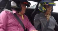 Afbeelding: Norris parkeert peperdure McLaren supercar in de grindbak