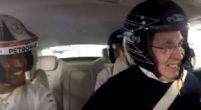 Afbeelding: Sir Frank Williams beleeft de rit van zijn leven met Lewis Hamilton