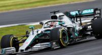 """Afbeelding: Lewis Hamilton in de zevende hemel: """"Hier winnen voor dit publiek, went nooit!"""""""