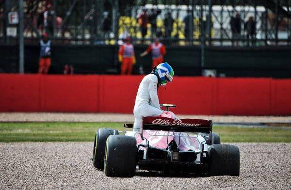 Antonio Giovinazzi in de grindbak dankzij mechanische fout