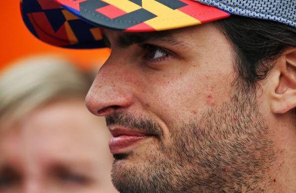 """Sainz opgelucht: """"Toen ik de pitstraat verliet wist ik zeker dat het leuk werd"""