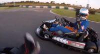 Afbeelding: Carlos Sainz en Lando Norris verpletteren teamleden op de kartbaan