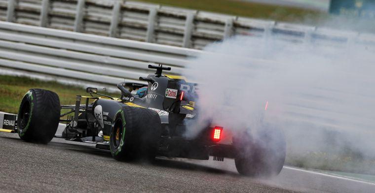 Oorzaak rookwolk uit Ricciardo's Renault: De uitlaat!