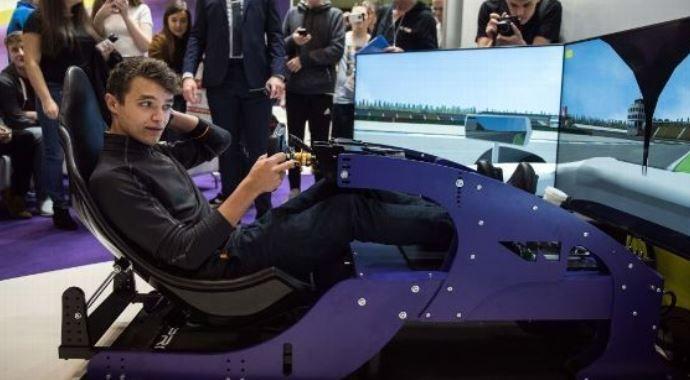 Norris noemt het sim-racen essentieel: ''Begon er al mee voor ik in een kart zat''