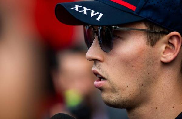 Kvyat haalt uit naar Albon: ''Hij zat in een Red Bull 36 ronden achter mij''