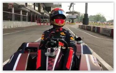 Alex Albon maakt de kartbaan onveilig in Singapore