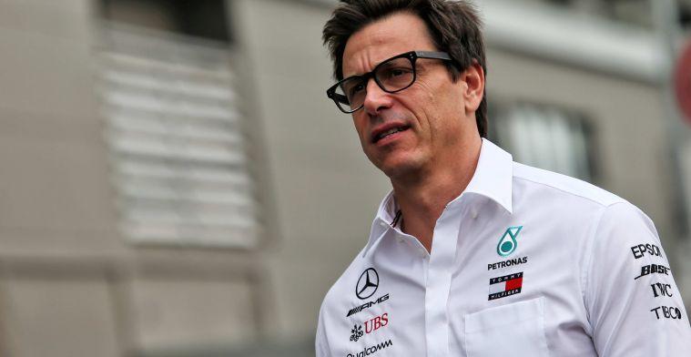 Wolff gaat in op teamorders Mercedes: Moesten Albon afhouden