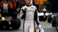 "Afbeelding: Trotse Nyck de Vries na Formule 2 titel: ""Ik verwijt mezelf niks"""