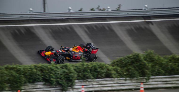Verstappen maakt meters in oude F1-bolide van Honda