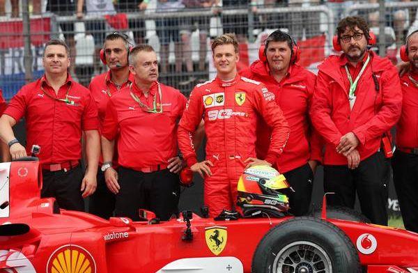"""Mick over invloed vader Michael Schumacher: """"Hij liet mij eigen fouten maken"""""""