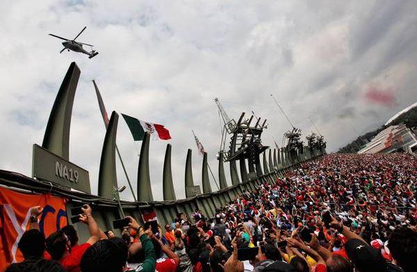 Grand Prix van Mexico kent geen droog moment: Glibberen en glijden in Mexico City