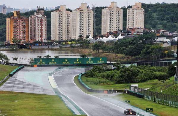 Samenvatting VT2: Crash voor Kubica en Kvyat, Verstappen op P3