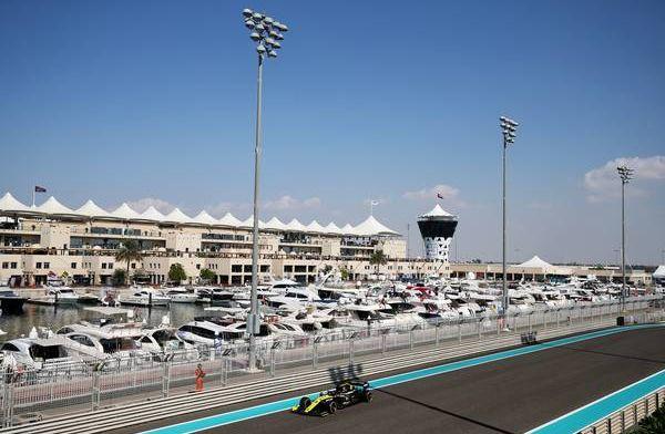 Watch: Daniel Ricciardo suffers oil leak in FP1 of Abu Dhabi GP!
