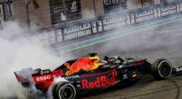 Afbeelding: Verstappen rookt alles op aan het eind van de Grand Prix van Abu Dhabi