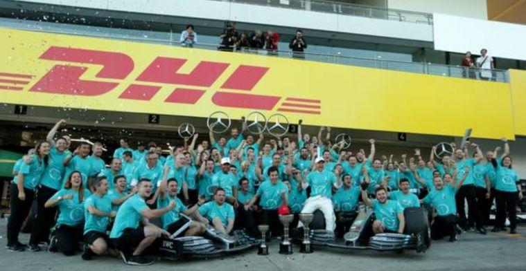 Hamilton and Bottas pay tribute to Petronas