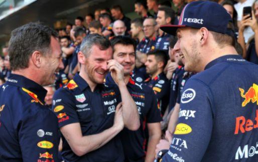 Verstappen pikt Red Bull-gasten met brandende remmen op: