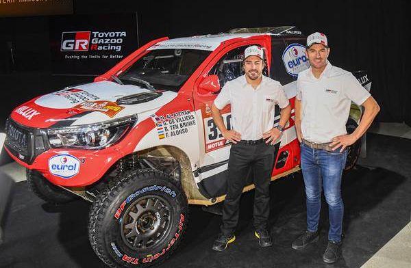 Alonso ziet volgend jaar deelname Dakar Rally somber in: ''Niet goede moment''