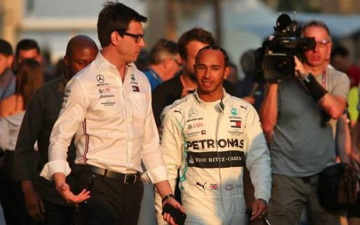 Wolff hopes to sign Hamilton but admits he's