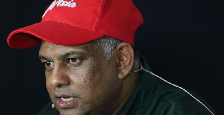 Fernandes, Kamarudin relinquish executive roles in AirAsia amid corruption probe