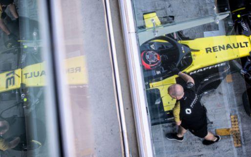 F1 Social Stint | Eerste beelden van nieuwe Renault op snelheid in Barcelona