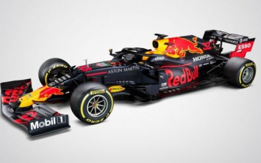Red Bull valt Mercedes hard aan: