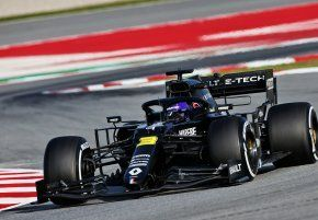 "Daniel Ricciardo after testing day one: ""It's great to be driving again"