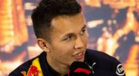"Image: Albon doesn't get distracted by Verstappen: ""I focus on myself"""