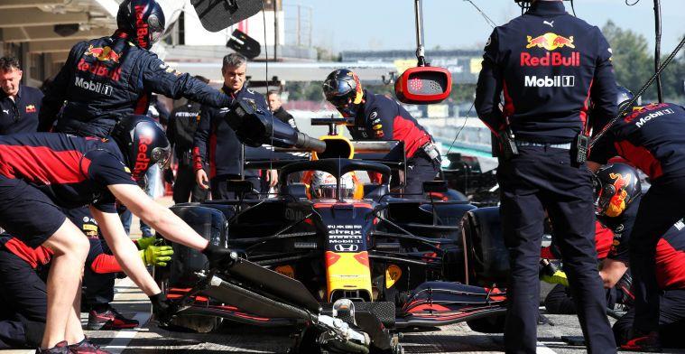 Monteurs van Red Bull Racing hoeven zich niet meer in het zweet te werken