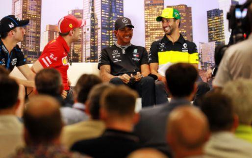 Hamilton krijgt steun: Formule 1 staat massaal op tegen racisme in Amerika